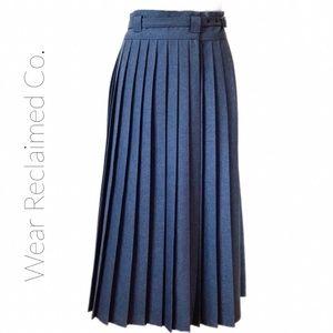 VINTAGE Long Pleated Wrap Around Skirt. Sm…
